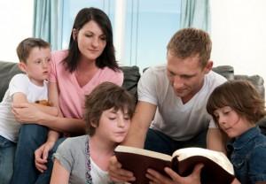 pais-filhos-lendo-materia